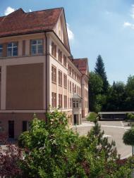 Schulhaus9.jpg